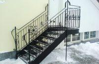 Stahltreppe_Schmiedeeisengelaender