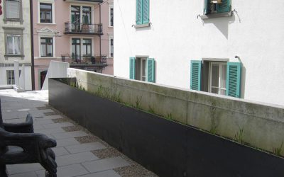 Blumentrog-aus-Schwarzblech